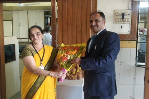 Floral Welcome Offered to Dr. Vrajesh Patel Principal SPTMC